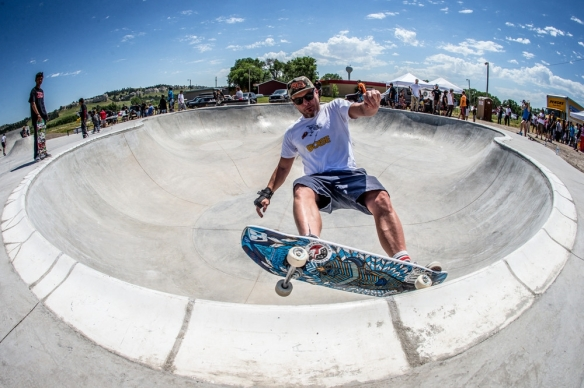 peal-jams-bassist-has-personally-funded-more-than-a-dozen-skateboard-parks-in-the-midwest-333-body-image-1440451723-size_1000