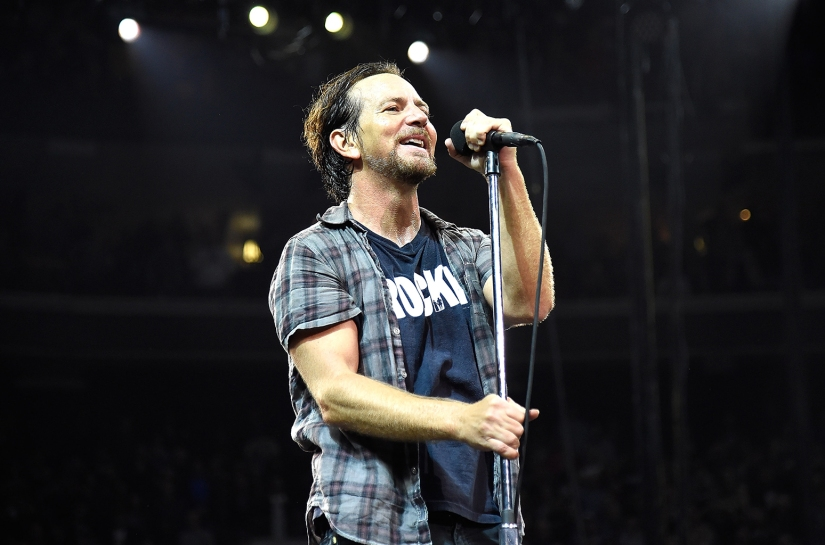 eddie-vedder-pearl-jam-live-april-2016-billboard-1548.jpg
