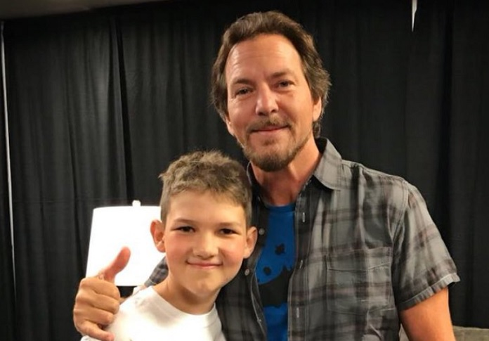 Eddie-Vedder-Pearl-Jam-e-Roarke